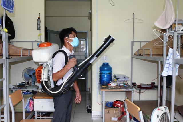 Diệt côn trùng để chủ động phòng chống dịch bệnh